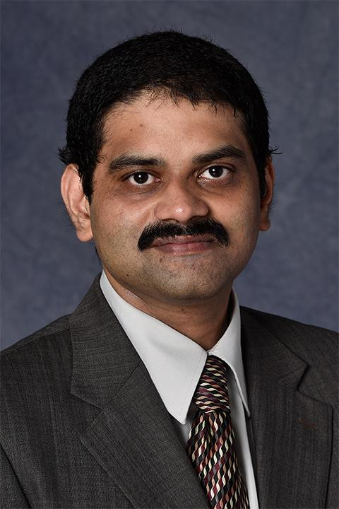 Satish Srinivasan headshot
